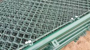 Safe And Flexible Pvc Coated Wire Fence Diamond Chain Mesh Fencing Roll