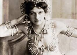 Biografía RESUMIDA de Mata Hari - Descubre su HISTORIA!!