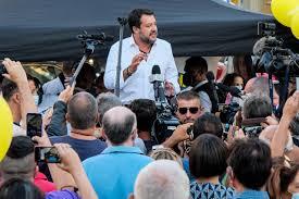 Salvini fra la gente in via Gioberti Ma salta il pranzo a Pontassieve -  Cronaca - lanazione.it