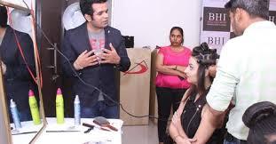 makeup training insute in mumbai