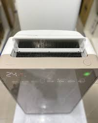 Máy lọc không khí Hitachi EP-NVG110-N Tự làm sạch màng lọc