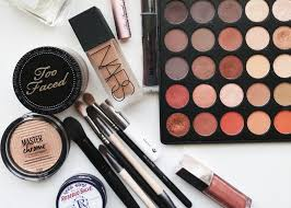 what is your kit makeup made of