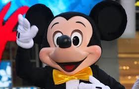 Cuốn hút bảo tàng về chú chuột Mickey trẻ mãi không già - Báo An ...