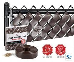 This Kind Of Vinyl Fence Can Be A Very Inspirational And Brilliant Idea Vinylfence In 2020 Fence Chain Link Fence Chain Link Fence Privacy