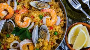 Simple and Tasty Seafood Paella - YouTube