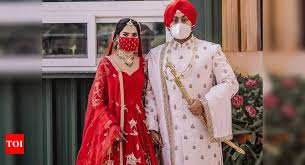This bride wore MASKS matching with her lehenga for her LOCKDOWN wedding  and she just set a trend - Times of India