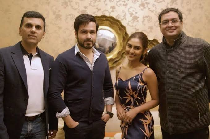 """Image result for krystal d'souza with amitabh and Emraan"""""""