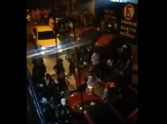"""Resultado de imagem para NOVE PESSOAS MORRERAM PISOTEADAS EM BAILE FUNK EM SP"""""""