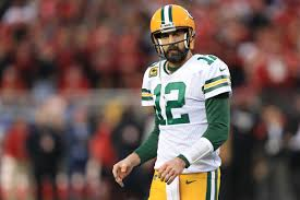 Aaron Rodgers has an incredible aversion to throwing to the middle ...