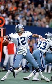 Roger Staubach with Tony Dorsett blocking   Dallas cowboys, Dallas cowboys  players, Cowboys players