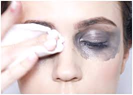 four easy steps to remove eye makeup