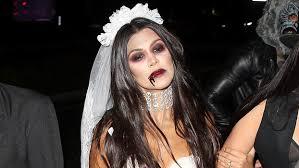 makes her dead bride costume look y