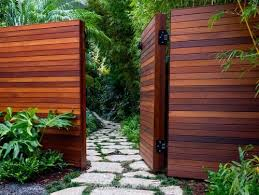 Best Wood For A Horizontal Fence Modern Fence Design Fence Design Modern Wood Fence
