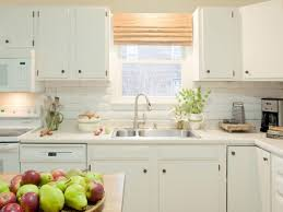 7 Renter Friendly Kitchen Backsplash Projects