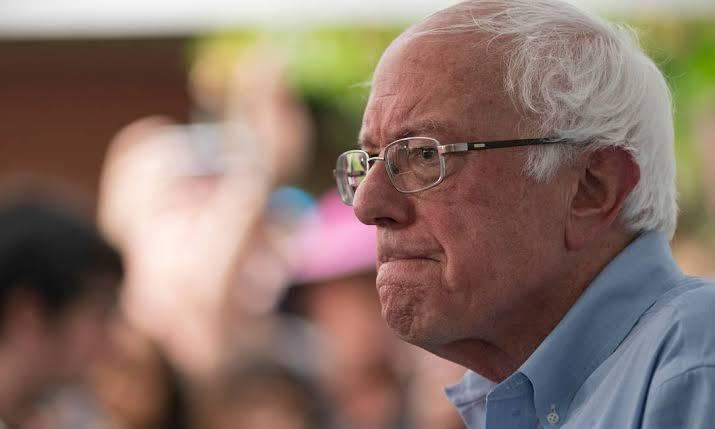 Resultado de imagem para Bernie Sanders sofre infarto