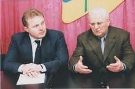 Губернатор Іван Різак користувався серйозною підтримкою в перших ...