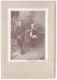 Lee and Bertie Smith. Friends. Photographer is Arthur's Photos, no ...
