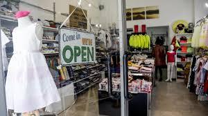 Coronavirus in Lombardia, supermercati e negozi aperti a Milano. E ...