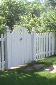 Garden Gate Idea Would Be Nice For A Double Gate Interlocking Garden Gates And Fencing Wooden Garden Gate Garden Gate Design