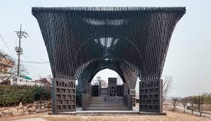 David Adjaye Explores Memorialization at a New Design Museum Show