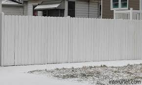 Simple White Wood Fence Picture Interunet Painted Wood Fence Fence Paint White Picket Fence