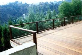deck of mangaris with glass railing