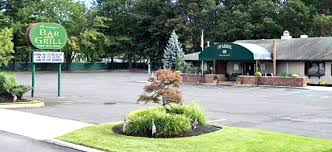 The Ivy League Bar & Grill – 5 E. 3rd St. & Rt. 9 North Howell, NJ 07731 |  732.370.2206