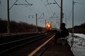 خلفية صورة ظلية وحدها حزينة القطار محطة Hd عريضة عالية