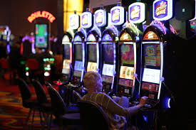 Massachusetts casinos keep missing their revenue targets. What's wrong? -  The Boston Globe