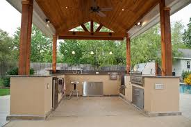 outdoor kitchen and patio cover in katy