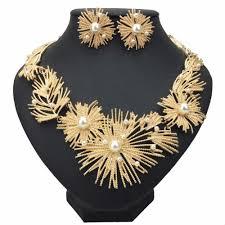 manilai big flower statement necklace