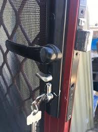 how to change screen door cylinder