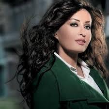 خاص موقع عفكرة لطيفة التونسية اتمنى الشفاء العاجل لتامر حسني