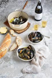 Mussels with white wine, garlic & cream ...