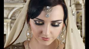 smokey eyes makeup in urdu saubhaya
