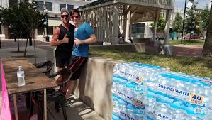 Calgaro S Pizzeria Pays It Forward With Water Giveaway