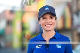 The Weather Channel's Jen Carfagno reports on Hurricane Florence - from  Myrtle Beach, SC on September 12, 2018 | Buy Photos | AP Images | DetailView