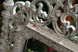 how to paint a plastic mirror frame to