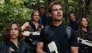 The Divergent Series Allegiant Trailer Finally Shows Us What S Beyond The Wall Cinemablend