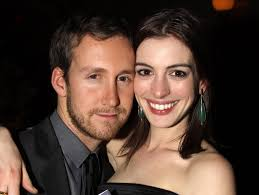 Adam Shulman and Anne Hathaway | 23 People Who Ended Up Marrying Their  Celebrity Crush | POPSUGAR Celebrity Photo 13