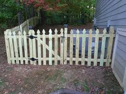 4 Ft French Gothic Fence With 2 Single Big Johns Fence Installers Facebook