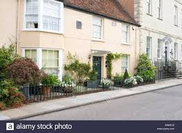 Quaint Uk Town Cottage With Well Kept Front Garden And Low Iron Stock Photo Alamy