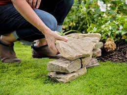 How To Use Rocks In Your Landscape 18 Ideas For Landscaping With Rocks Hgtv