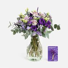 Ramo De Flores De Rosas Y Veronica Begona Colvin