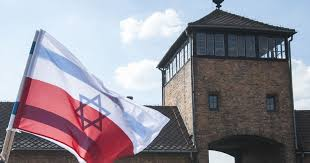 from warsaw auschwitz tour with