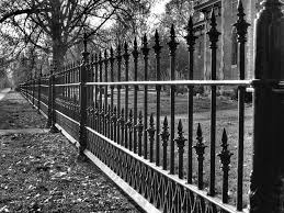 Mean Looking Cast Iron Victorian Fencing Chpt 14 Wrought Iron Fences Iron Fence Fence