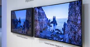 which is better curved or flat screen tvs