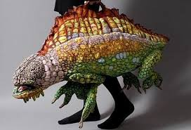Kameleon Tas van Priscilla Snyder Visit her website, her work is amazing.    Novelty handbags, Unique bags, Cute purses