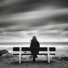 صور حزينه للبنات بدون كلام عن الفراق مربع