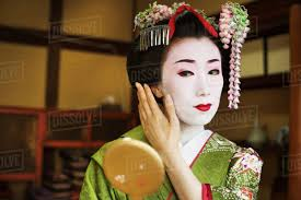 what is geisha makeup made of